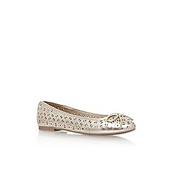 Miss KG - Gold 'Nelson' flat pumps