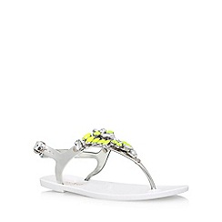 Miss KG - White 'Jada' flat sandals