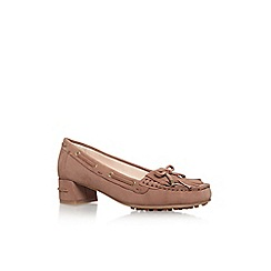 Nine West - Beige 'Westby' low heel court shoes
