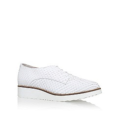 Carvela - White 'Larrissa' flatform brogue shoe