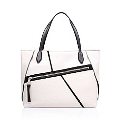 Nine West - White 'Underwraps' tote handbag with shoulder straps