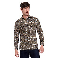 Gabicci Vintage - Big and tall tan tailored fit printed woven shirt