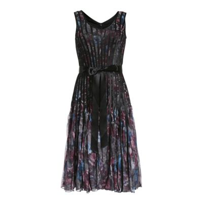Chase 7 Lilac accordian dress - . -