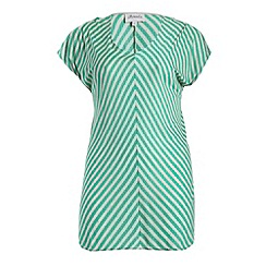 Threads - Green split sleeve chevron tee