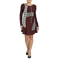 Izabel London - Dark red long sleeve knitted dress