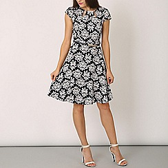 Izabel London - White belted baroque print dress