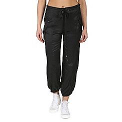 Mandi - Black pocketed belted pants