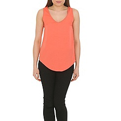 Ayarisa - Peach curve hem v-neck and back shell top