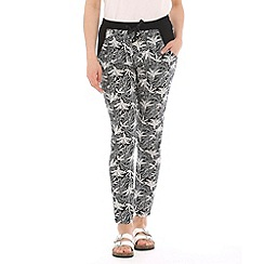Pussycat London - Black palm print trouser