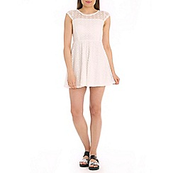 Tenki - White patterned lace dress