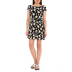 Pussycat London - Black daisy print dress