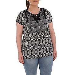 Samya - Black printed short sleeved top
