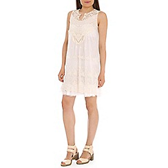 Tenki - White cut neck lace dress