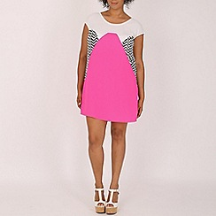 Samya - Pink zig zag panelled dress