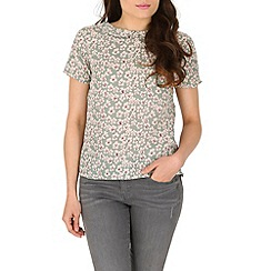 Poppy Lux - Light green vander floral tee top