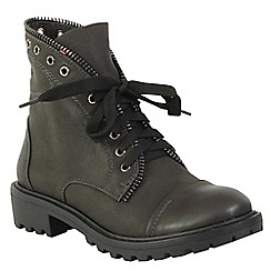 Betsy - Grey military boots