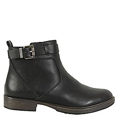 Betsy - Black strap and buckle boots