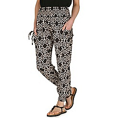 Izabel London - Black shirring waist print trousers