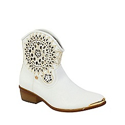 Keddo - White ankle cowboy style boots