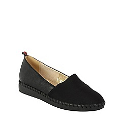 Betsy - Black stitched edge pumps