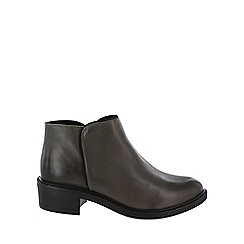 Marta Jonsson - Grey medium heel ankle boots