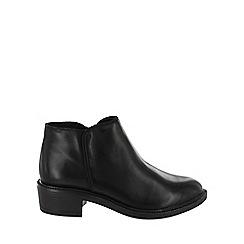 Marta Jonsson - Black medium heel ankle boots