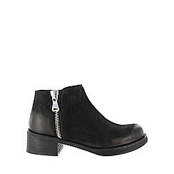 Marta Jonsson - Black silver zipped ankle boots