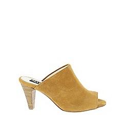 Marta Jonsson - Brown  slip on high heeled shoe