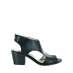 Marta Jonsson - Black leather chunky heel sandal