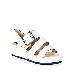 Betsy - White buckled flatform sandal