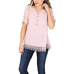 Amaya - Pink crochet & tassel top