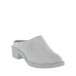 Marta Jonsson - White mule shoe