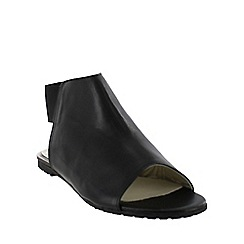 Marta Jonsson - Black slingback flat sandal