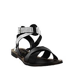 Marta Jonsson - Black  x-strap flat sandal