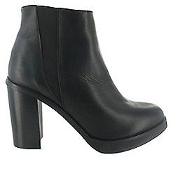 Marta Jonsson - Black ankle boot with block heel