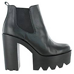 Marta Jonsson - Black ankle boots with platform
