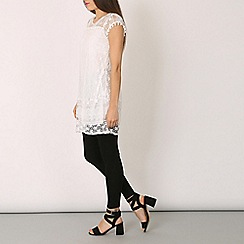 Izabel London - White crotchet lace top