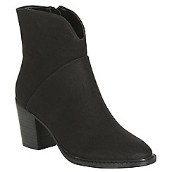 Betsy - Black heeled cowboy boot