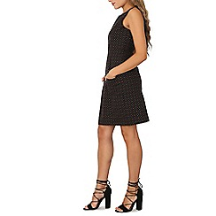 Izabel London - Black sleeveless shift dress
