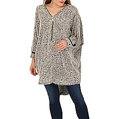 Stella Morgan - Beige batwing textured tunic top