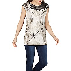 Solo - Taupe bellina printed top