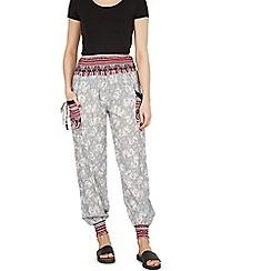 Izabel London - Grey baggy elephant print pants