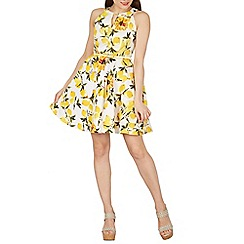 Izabel London - Yellow sleeveless floral printed skater dress