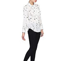 Jolie Moi - White star print ruffle front shirt