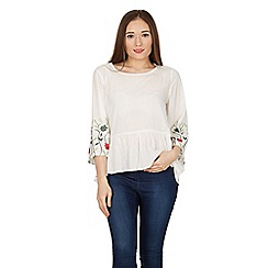 Stella Morgan - White frill trim embroidered sleeves top