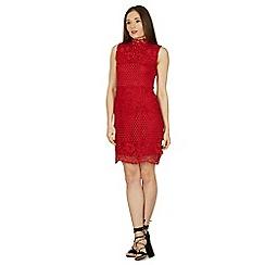 Izabel London - Red sleeveless crochet shift dress