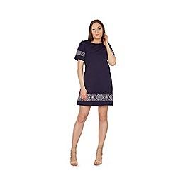 Stella Morgan - Navy border print shift dress