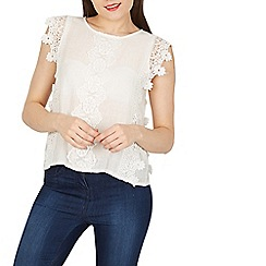 Cutie - White lace front top