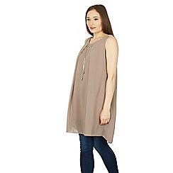 Izabel London - Grey sleeveless tunic top with necklace