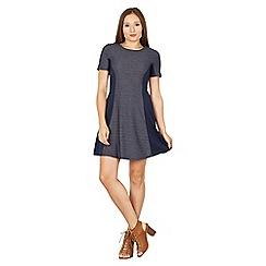 Izabel London - Navy zig zag print contrast skater dress